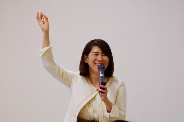 講師をしているときの小倉さん