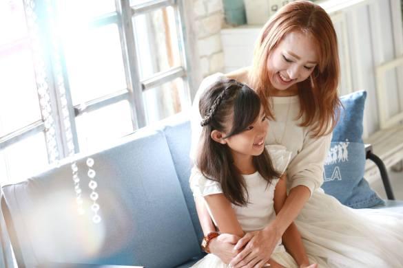 奥村さんと娘さん。