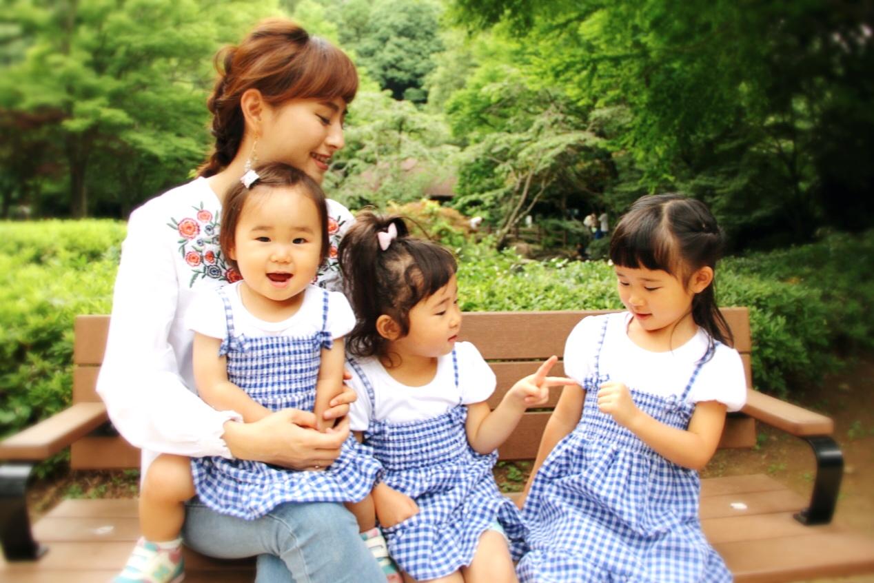 大脇さんと三人姉妹