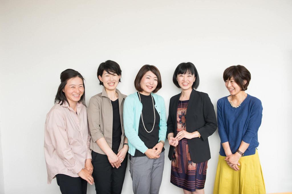 ON-MO事業と、一般社団法人育勉普及協会事業に関わるメンバー。全員がママ