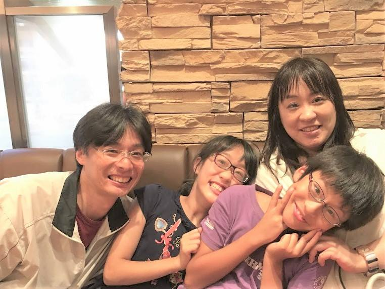 山内京子さんご家族と